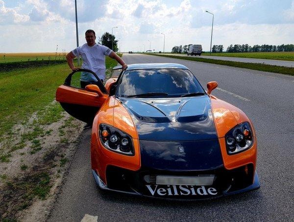 Уникальный спорткар появился в Губкине