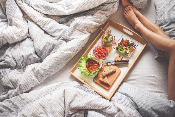 Эксперты назвали продукты, которые нельзя есть перед сексом