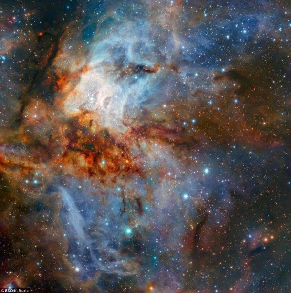 Появились невероятные фотографии новорожденной звезды, от которых захватывает дух