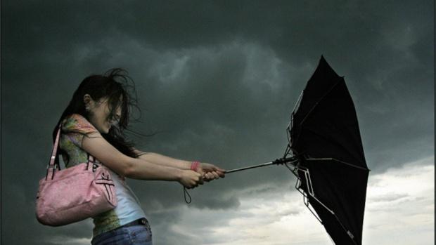 Внимание! В Тюмени вновь объявили штормовое предупреждение