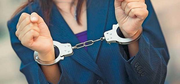 В Тюмени аферистка официально обчистила восемь человек