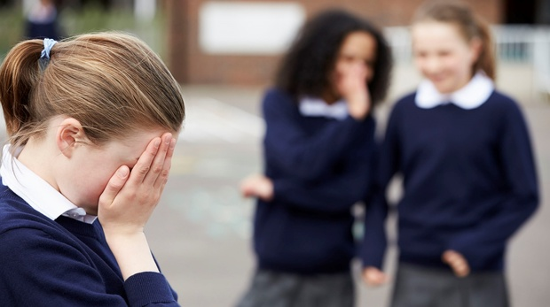 «Будешь мыть унитаз языком». Жертва школьной травли – о насилии, страхе и ненависти к одноклассникам