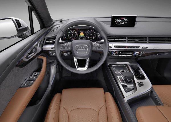 В сеть попало фото нового Audi Q7 без камуфляжа