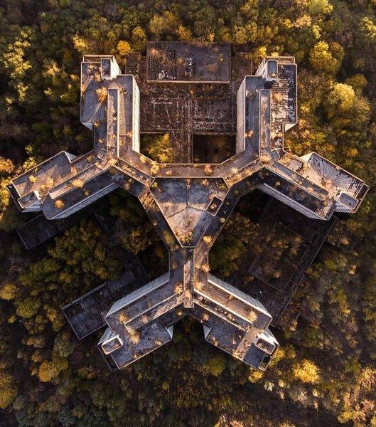 В Москве начали досрочно разбирать Ховринскую больницу