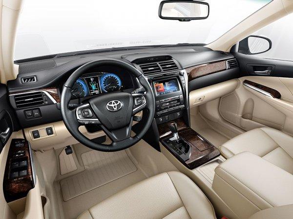О первых «косяках» Toyota Camry после 10 000 км пробега рассказал владелец