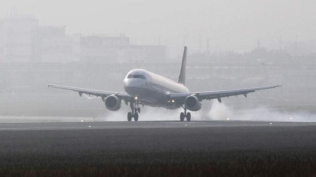 Пассажиру стало плохо: самолет, летевший из Тюмени в Москву, совершил экстренную посадку