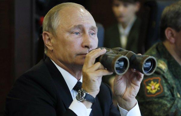 Путин побывал на военных учениях «Восток-2018»
