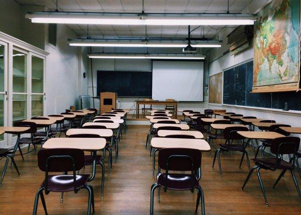 «Бедные и убогие»: В Петербурге учительница обзывала детей на уроке