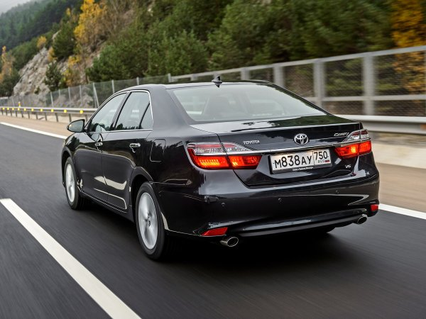 «Цены на бензин не страшны»: Владелец Toyota Camry рассказал об экономии после установки ГБО