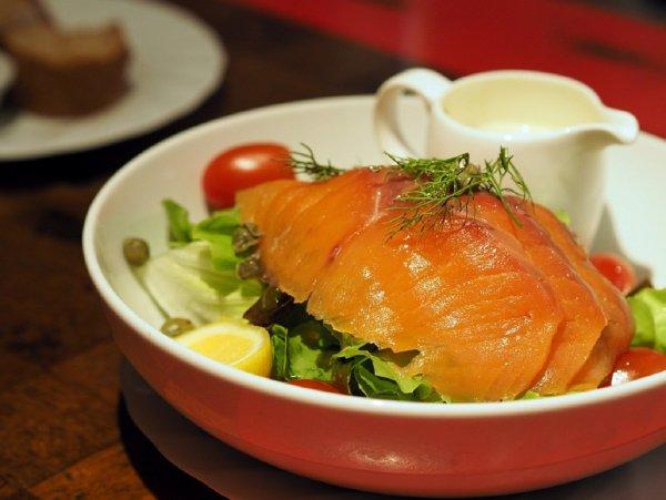 Диетологи назвали 9 жирных продуктов, улучшающих фигуру и здоровье