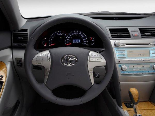 «Прокачка японки»: Эксперт назвал полезные и нужные доработки Toyota Camry 40