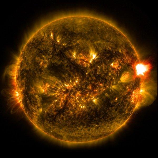 Мощная солнечная буря обрушится на Землю 18 ноября
