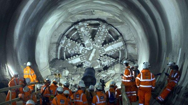 Илон Маск: Строительство скоростного тоннеля под Лос-Анджелесом завершилось