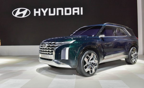 В сети показали флагманский кроссовер Hyundai Polisade с зимним режимом движения