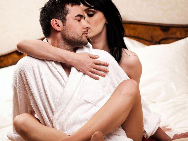 Регулярный секс убережет мужчин от инфаркта – Ученые
