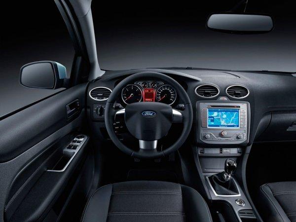 «Лишь бы не Приора»: Блогер рассказал о Ford Focus 2