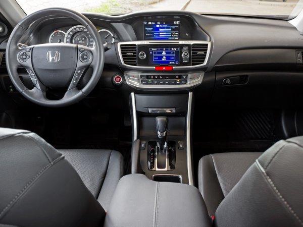 «Что купить за 500 тысяч?»: Блогер сравнил Toyota Camry, Subaru Legacy и Honda Accord