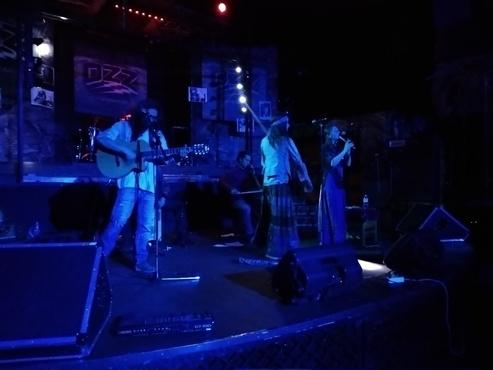 Музыканты из Екатеринбурга посвятили забавную песню тюменскому родительскому комитету