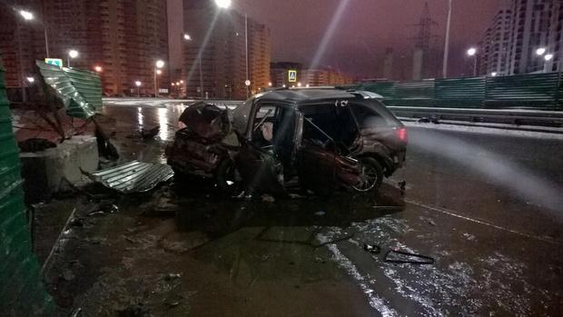 Пьяный тюменец врезался в ограждение на машине: пострадали четыре человека