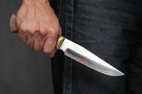 Мужчина зарезал 22-летнего сына своей возлюбленной