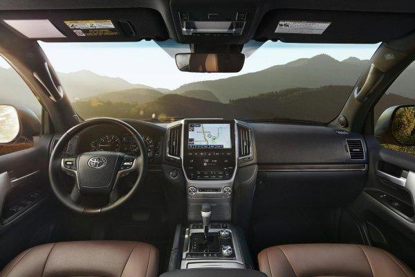 «Сломать не получится!»: О «бессмертном» Toyota Land Cruiser 200 рассказал эксперт