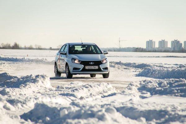 «Чудит на морозе»: На «глюк» бортового компьютера LADA Vesta пожаловался автомобилист