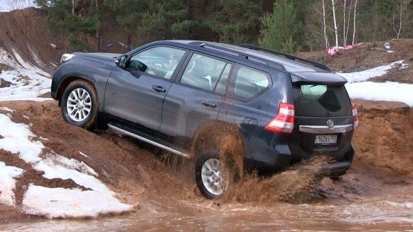 Битва «Крузаков»: Land Cruiser 200 и его «заряженная» версия сразились на бездорожье