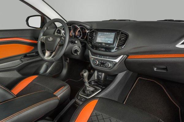 «Она мне Mercedes напоминает»: Блогер рассказал, почему купил LADA Vesta SW, а не «иномарку»