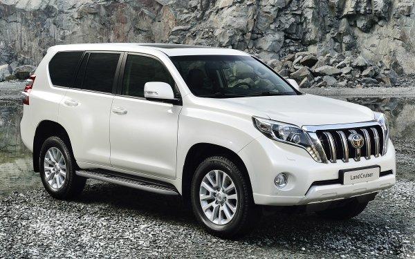 «Новый внутри и снаружи»: О втором рестайлинге Toyota Land Cruiser Prado 4 рассказал обзорщик