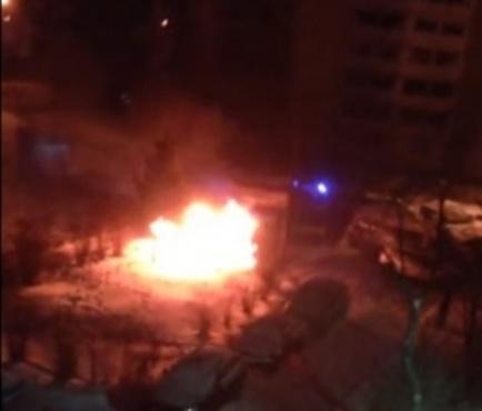 Дорогой пожар. В Тюмени за ночь сгорели две иномарки