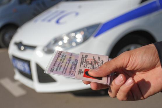Под Тюменью задержали водителя автобуса с фальшивыми правами, который вез пассажиров
