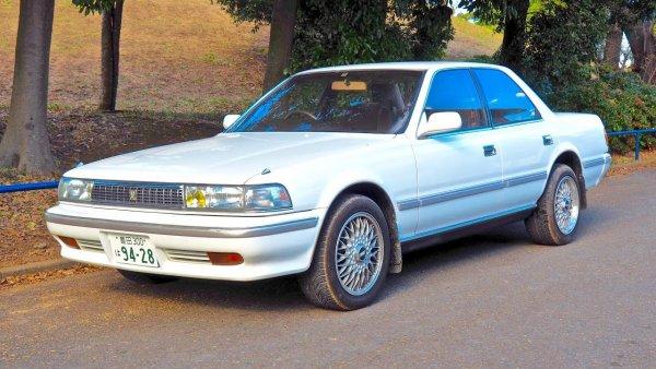 «Веста» или «Креста»: Стоит ли покупать Toyota Cresta с пробегом рассказал блогер