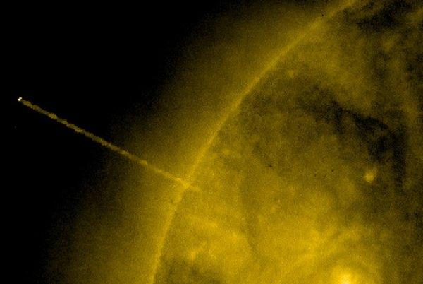 Эксперты заинтересовались еще одним НЛО, «покидающим» Солнце