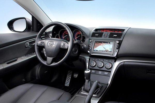 «Камри, давай до свиданья, Мазда приехала!»: Турбированную Mazda 6 высоко оценил эксперт