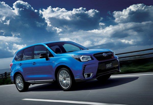 «Кому он нужен?»: Обзорщик раскритиковал 500-сильный Subaru Forester STI со «спартанским» салоном