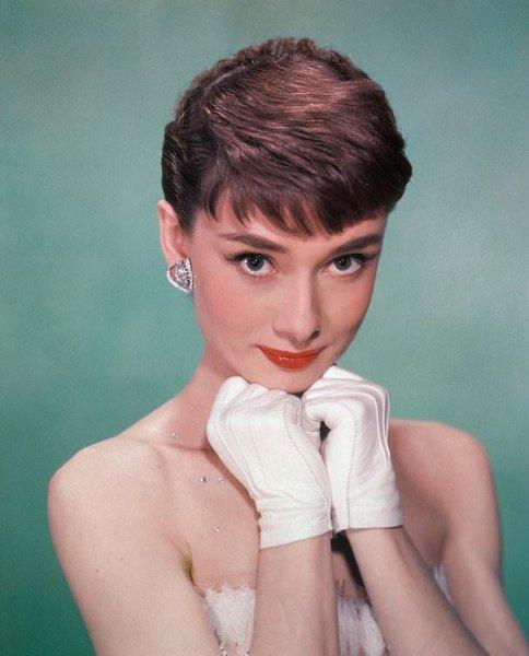 Ученые: Женщины с густыми бровями более привлекательны для мужчин