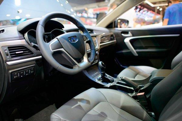 «Luxury Китай» за 650 000 рублей: От нового Geely Emgrand 7 остался в восторге обзорщик