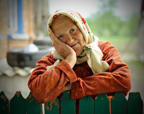 Тюменские мамы помогают подопечным геронтологического центра