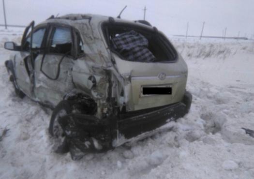 На тюменской трассе в страшном ДТП с грузовиком погибла женщина
