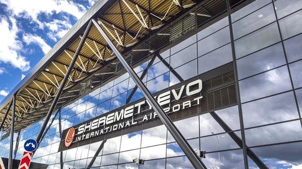 Минуя все кордоны безопасности, мужчина оказался на борту самолета в Шереметьево