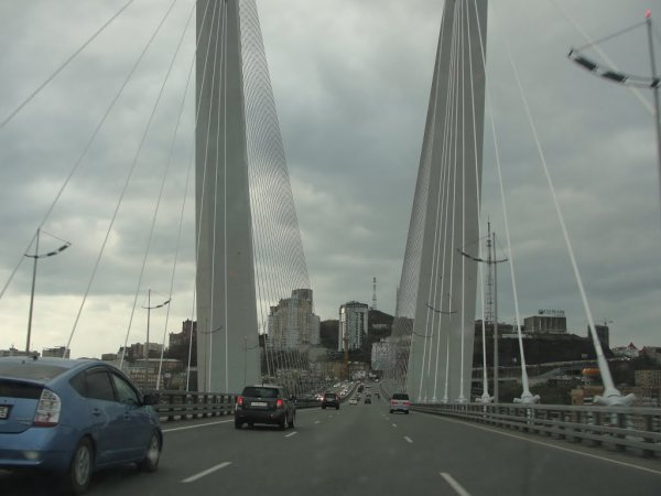 «Экономия бюджета»: Золотой мост во Владивостоке не соответствует проекту