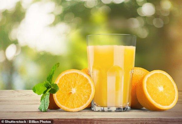 Учёные: Всего один стакан фруктового сока в день спасёт от инсульта
