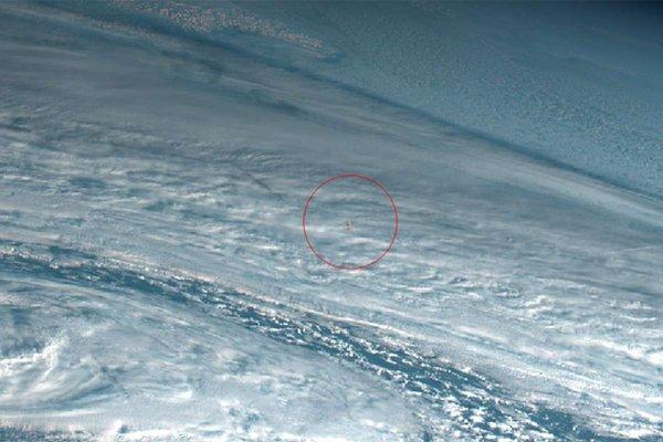 «Хватит на 10 Хиросим»: Колоссальный метеор вошёл в атмосферу Земли