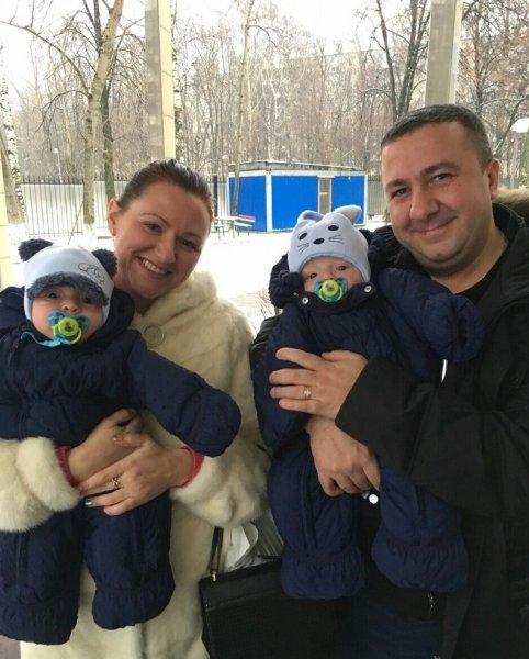 Наживаются на детях инвалидах?: Многодетная семья из Краснодара усыновила близнецов с ограниченными возможностями