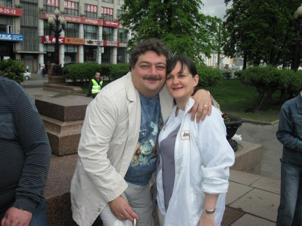 Без изменений: жена Дмитрия Быкова рассказала о состоянии мужа