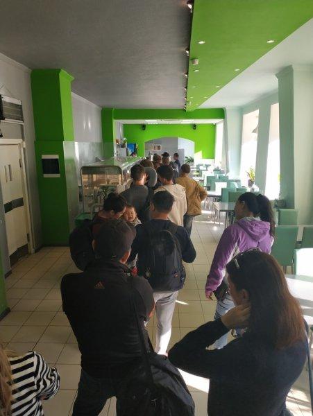 Халява кончится: Озолоченная столовая в Домодедово из-за шумихи в сети лишится прибыли