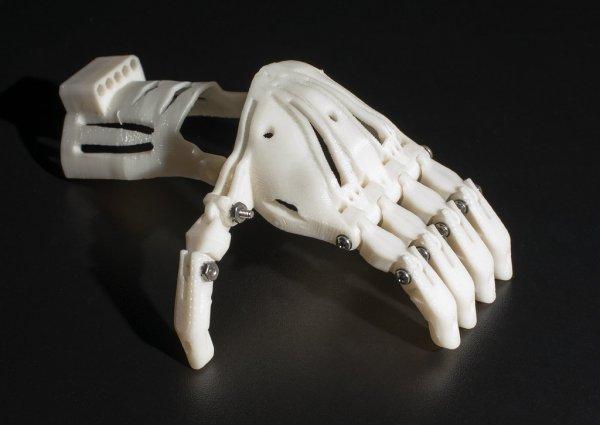 Роботы смогут делать суши: машину наделили «человеческими руками»