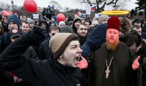 «Сомнительные мистические услуги!»: В защиту сквера в Екатеринбурге начали выступать  священники