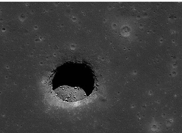 Луна содержит мощные магниты пришельцев