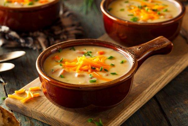 Когда лень готовить... Домохозяйка поделилась простым рецептом сырного супа